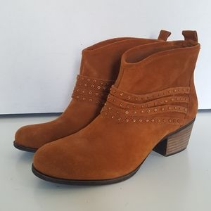 Jessica Simpson Leather Brown Slip On Ankle Boots